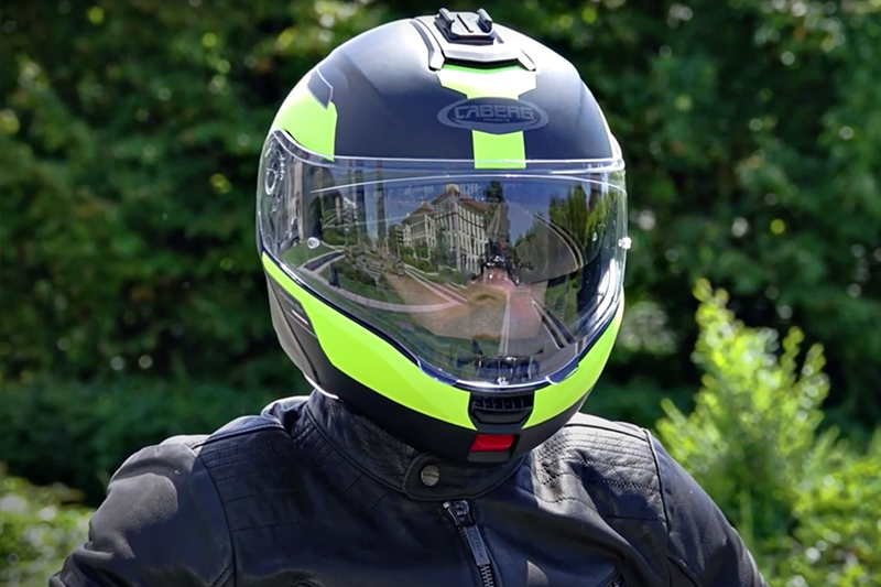 The Caberg Levo flip-up reviewed by Motoexcape.com
