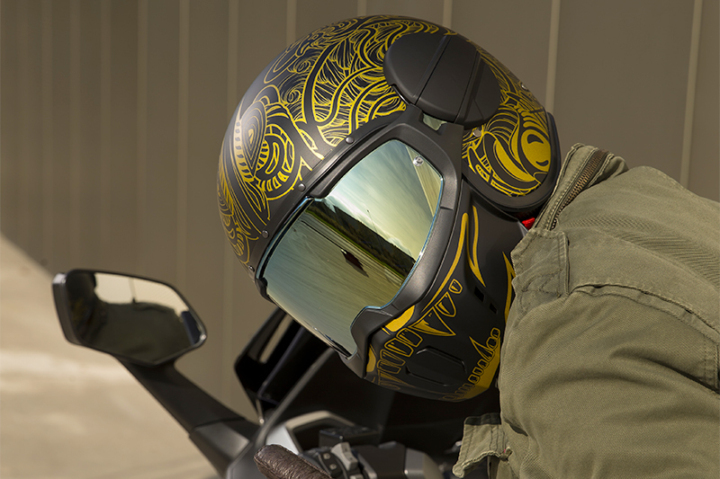 Custom your helmet with coloured/tinted visors