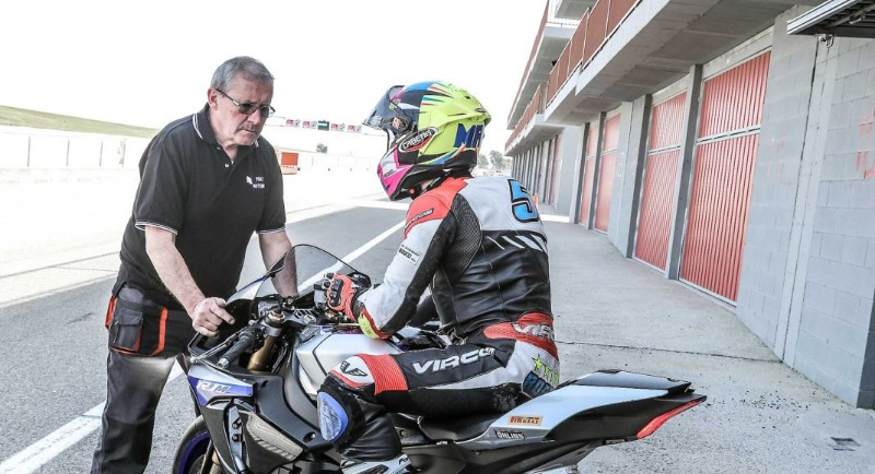 Caberg Drift Evo worn by Massimo Roccoli for the maxi comparative review of the best supersport motorcycles