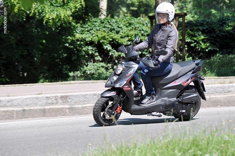 motorbox.com sceglie il Caberg Uptown Italia per la prova moto del Sym Crox 125 CBS!