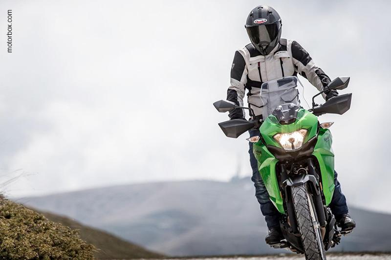 Il Caberg Stunt Blizzard nella prova moto di motorbox.com