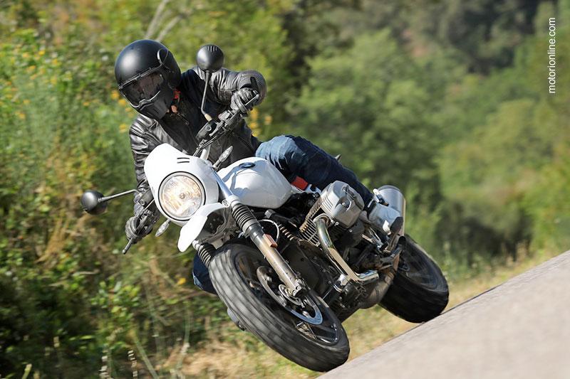 Caberg Ghost nella prova moto della BMW R nineT Urban G/S