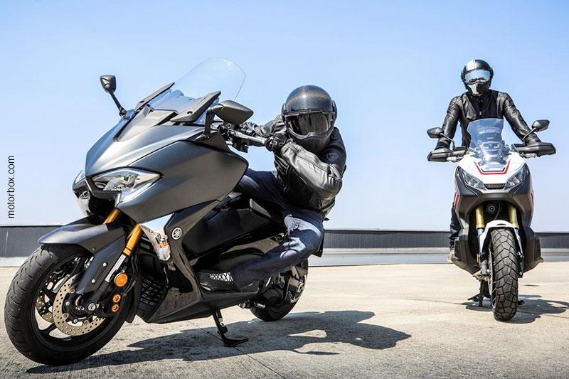 Honda X-ADV vs Yamaha TMAX: test ride con il Caberg Ghost