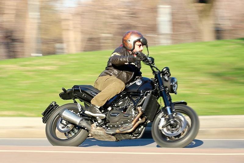 Caberg Freeride Rusty scelto da motorbox.com per la prova moto della Benelli Leoncino 500!