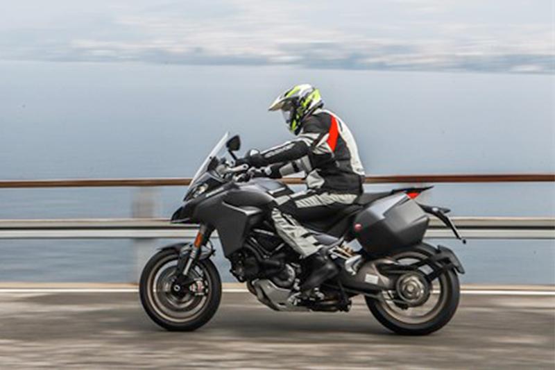 Caberg Xtrace Spark è stato scelto da moto.it per testare la nuova Ducati Multistrada 1260!