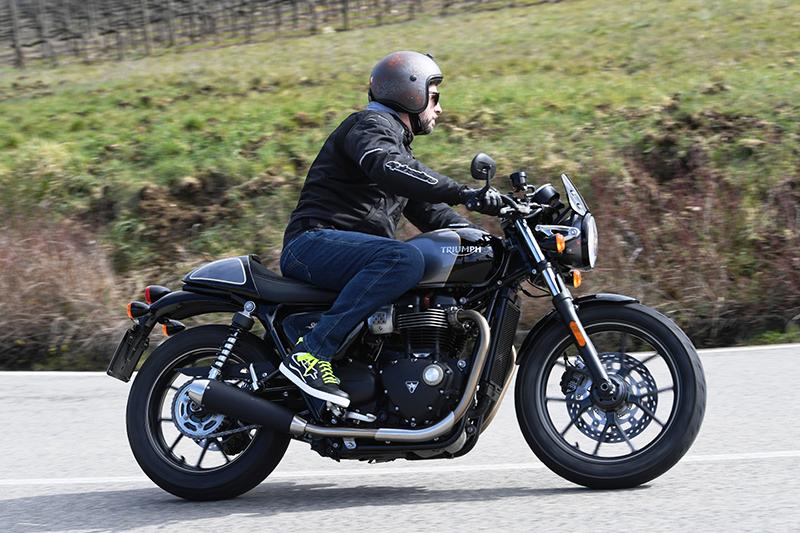 Daidegasforum.com ha partecipato al test ride Triumph con il Caberg Freeride Rusty