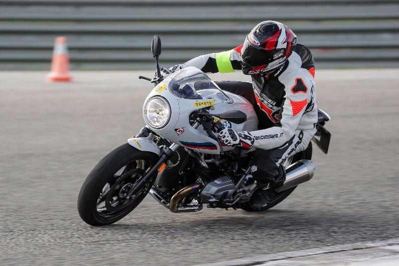 Daidegas ha utilizzato il Caberg Drift Evo per il test Dunlop SportSmart TT in Spagna