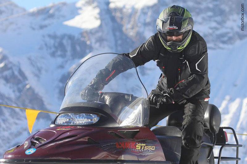 Caberg Tourmax: un ottimo regalo di Natale secondo motorbox.com